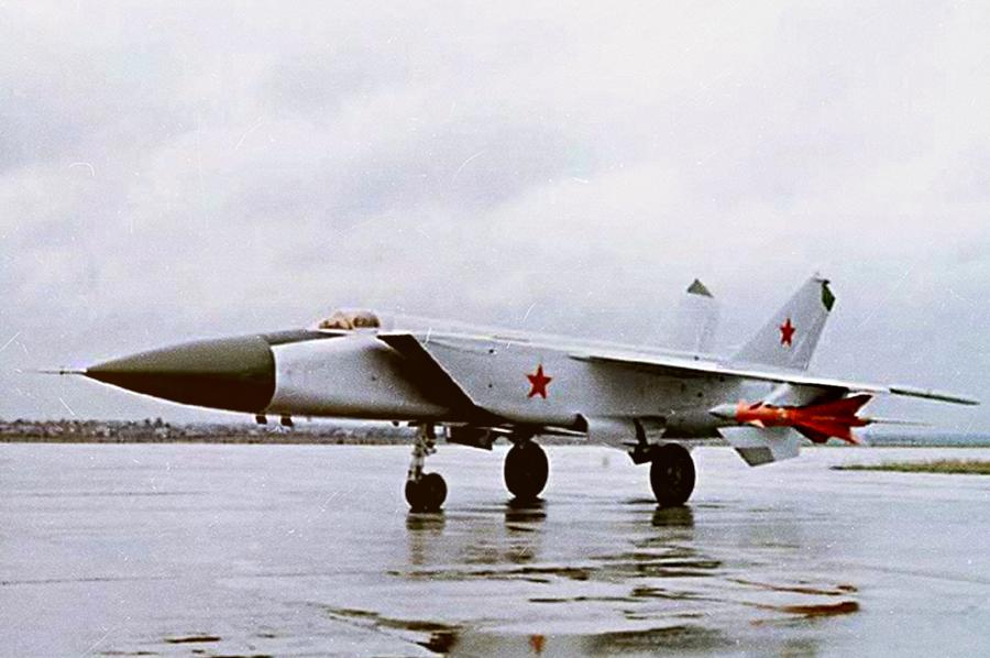 МиГ-25/ Источник: http://www.testpilot.ru/ - 20 интересных фактов из истории истребителей | Военно-исторический портал Warspot.ru