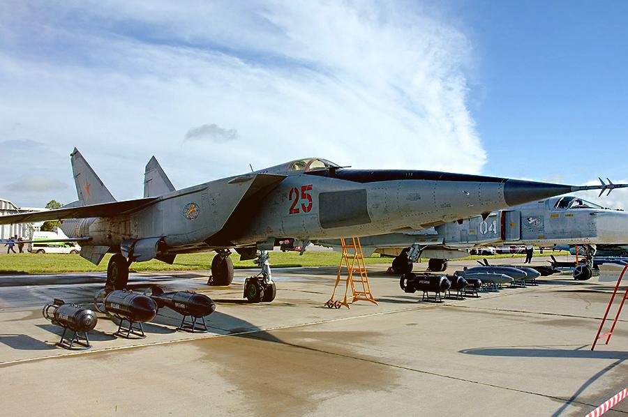 МиГ-25 / Источник: http://upload.wikimedia.org/ - 20 интересных фактов из истории истребителей | Военно-исторический портал Warspot.ru