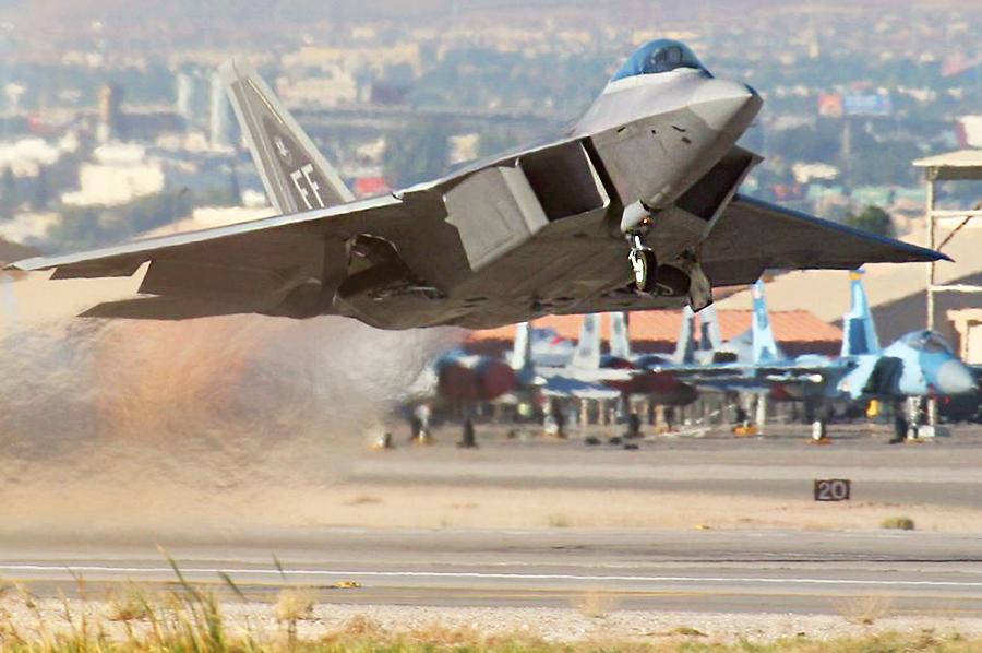 Истребитель F-22 Raptor http://topwar.ru/ - 20 интересных фактов из истории истребителей | Военно-исторический портал Warspot.ru