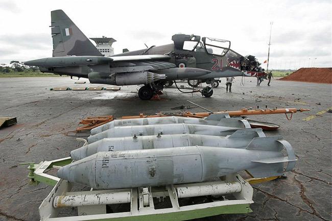 Ивуарийский Су-25УБ после ракетной атаки Источник: forums.eagle.ru - Как электоральные конфликты перерастают в боевые действия | Военно-исторический портал Warspot.ru