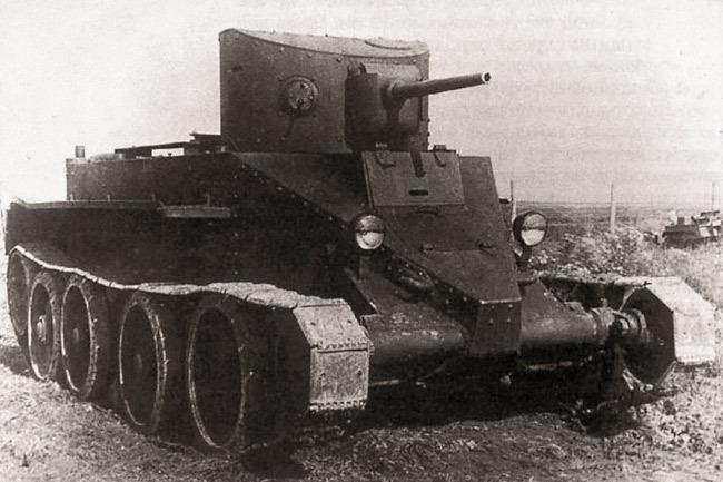 Танк БТ-2  Источник – valka.cz -  Первый советский серийный танк | Военно-исторический портал Warspot.ru