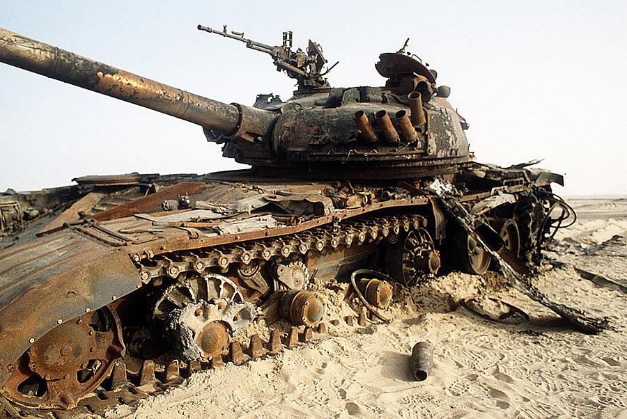 Уничтоженный иракский Т-72 Источник — academic.ru - Самый спортивный танк в мире   Военно-исторический портал Warspot.ru