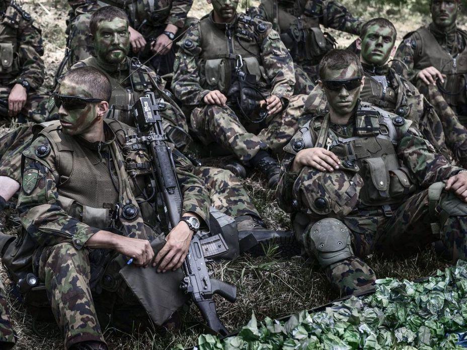 На время сборов они не директора или клерки, а солдаты (http://e-civitas.pl) - Армия – это народ. Народ – это армия   Военно-исторический портал Warspot.ru