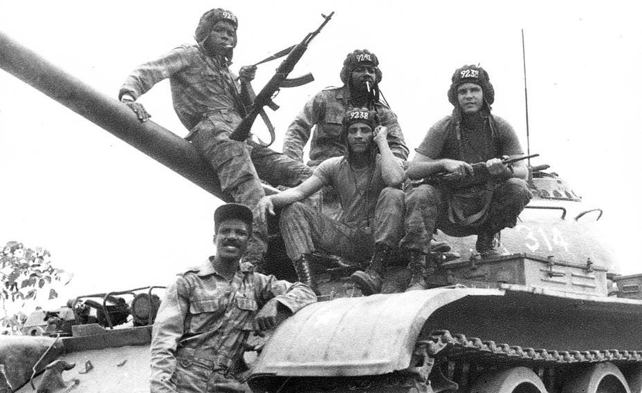 http://warspot-asset.s3.amazonaws.com/articles/pictures/000/012/643/content/01_tanquistas-cubanos-en-la-guerra-de-angola.jpg