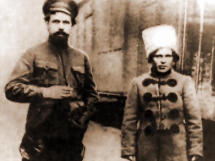 Нестор Махно и красный командир Павел Дыбенко (http://wikipedia.org) - Любо, братцы, любо! | Военно-исторический портал Warspot.ru