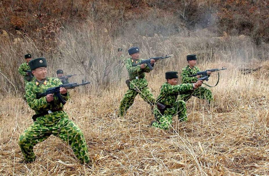 АК в армии Северной Кореи. fototelegraf.ru - Самый известный автомат вмире | Военно-исторический портал Warspot.ru