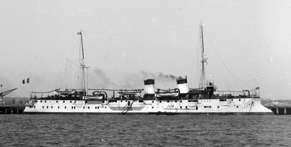 Французский крейсер 2-го класса Protet в определённой степени стал прототипом при проектировании «Светланы» Источник фото – kreiser.unoforum.ru - Крейсер-яхта для великого князя | Военно-исторический портал Warspot.ru