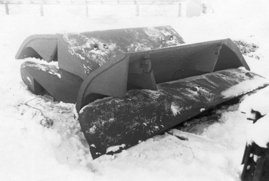 Бортовые экраны, которые в боевом положении должны были прикрывать ходовую часть Е-100 - Сотый лишний | Военно-исторический портал Warspot.ru