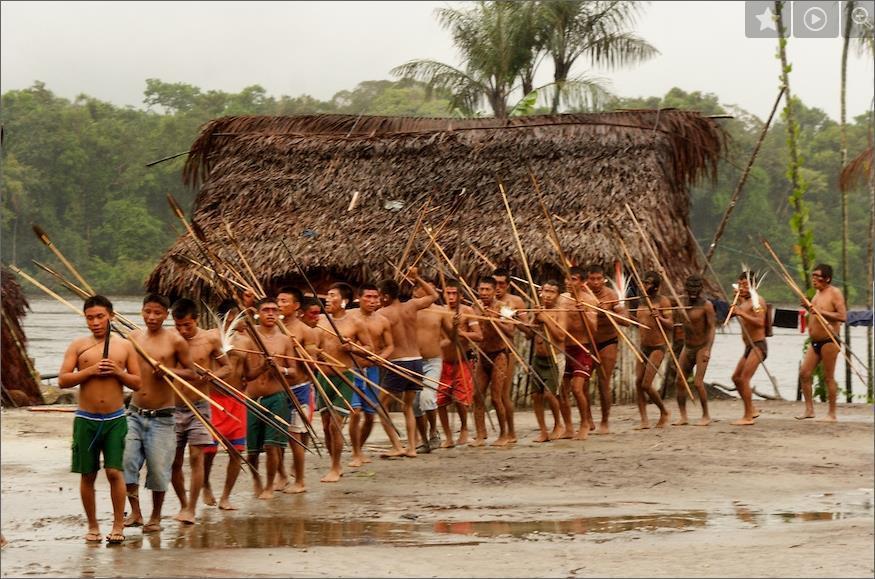 Воины-яномамо заслужили у антропологов прозвище «жестоких людей», поскольку постоянно находятся в состоянии войны со своими соседями, а также имеют очень высокий уровень внутреобщинного насилия - Первобытная война. Масштаб трагедии | Военно-исторический портал Warspot.ru