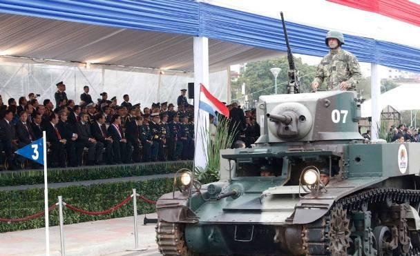 Модернизированный легкий танк М3 Stuart армии Парагвая на параде, 2010 год defensa.com - День дурака с оружием в руках | Военно-исторический портал Warspot.ru