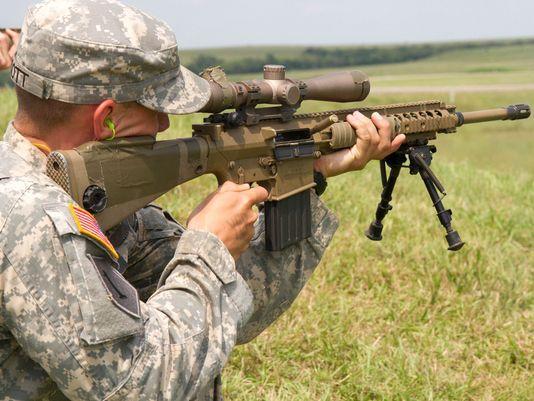 Американский солдат с винтовкой M110 armytimes.com - Американская армия перевооружает снайперов | Военно-исторический портал Warspot.ru