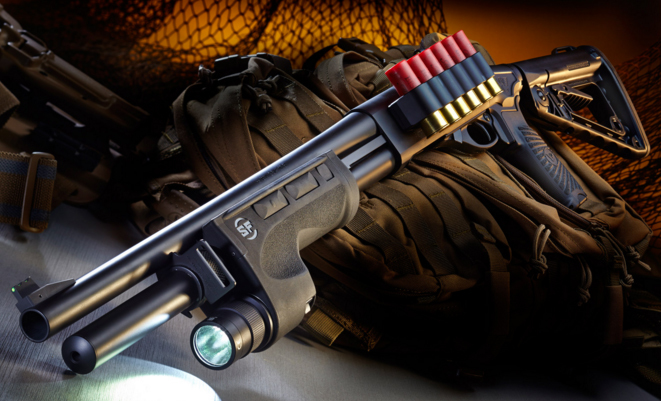 Базовая комплектация CQB Shotgun оснащена телескопическим прикладом и подствольным фонариком wilsoncombat.com - CQB Shotgun – «очень тактический» дробовик | Военно-исторический портал Warspot.ru