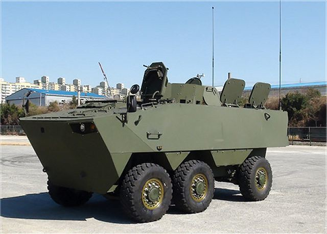 http://warspot-asset.s3.amazonaws.com/articles/pictures/000/027/229/content/south_korea_defense_industry_has_developed_two_new_types_of_wheeled_armoured_vehicles_k806_640_001-68008420aa544d1588a34809dd95c292.jpg