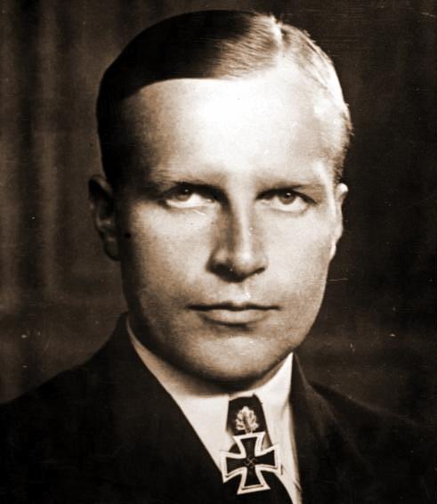 Корветтен-капитан Вернер Хенке, 13.05.1909–15.06.1944