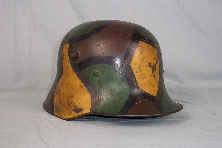 Немецкий стальной шлем образца 1916 года, раскрашенный в технике «витражного» камуфляжа - Замаскироваться, чтобы выжить | Военно-исторический портал Warspot.ru