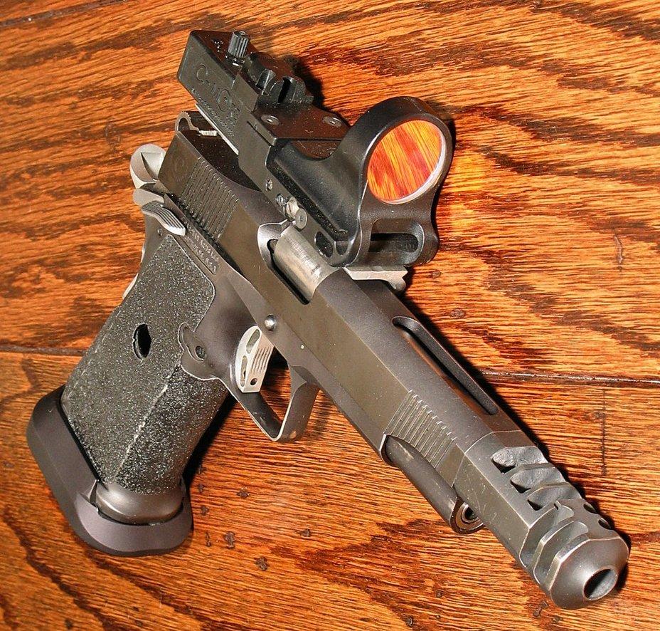 Пистолет «открытого класса» на базе двухрядника фирмы Caspian - «Кольт» M1911: нестареющая классика оружейного мира | Военно-исторический портал Warspot.ru