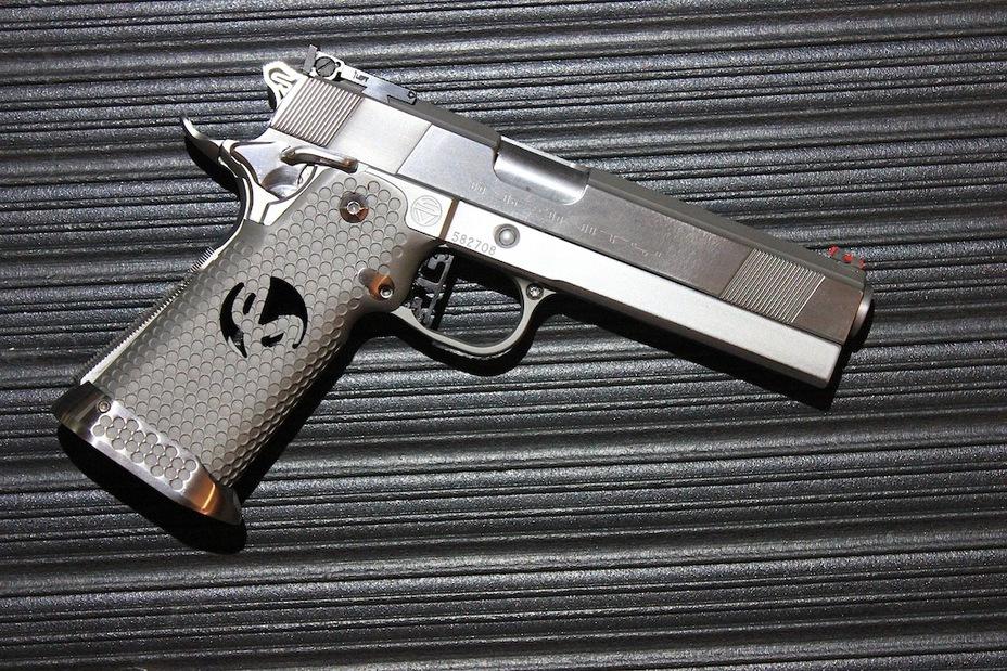 Модели оружия на основе классического M1911: кастомный двухрядный на базе пистолета Infinity Firearms… - «Кольт» M1911: нестареющая классика оружейного мира | Военно-исторический портал Warspot.ru