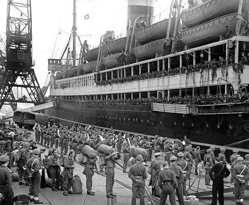 Голландские войска отправляются в Индонезию из Роттердама, 1947 год - Рождение Индонезии: голландцы возвращаются | Военно-исторический портал Warspot.ru