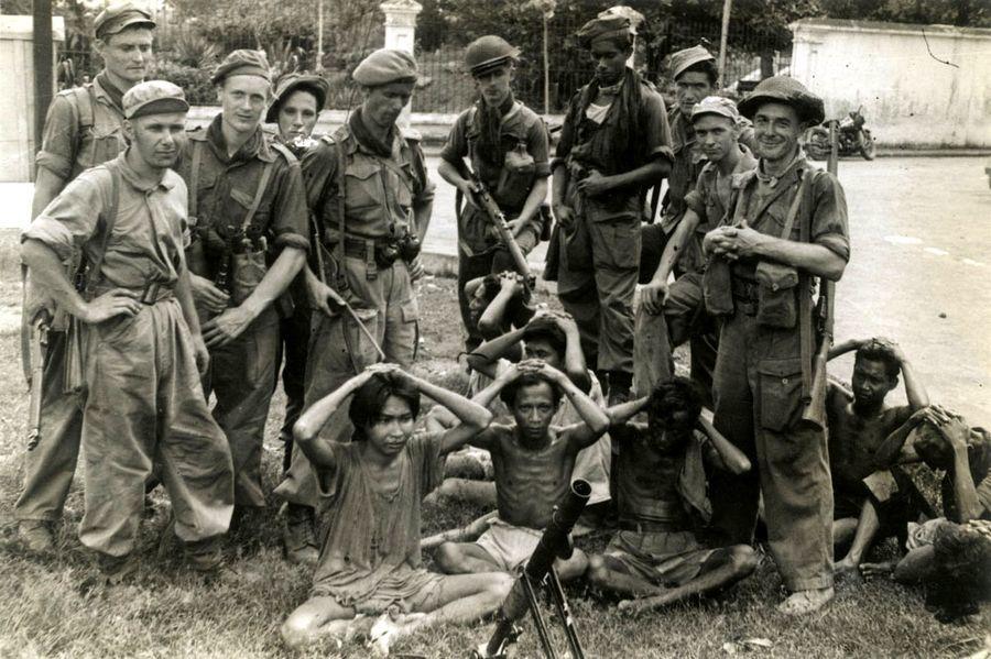 Голландские солдаты с захваченными партизанами, 1948 год - Рождение Индонезии: голландцы возвращаются | Военно-исторический портал Warspot.ru