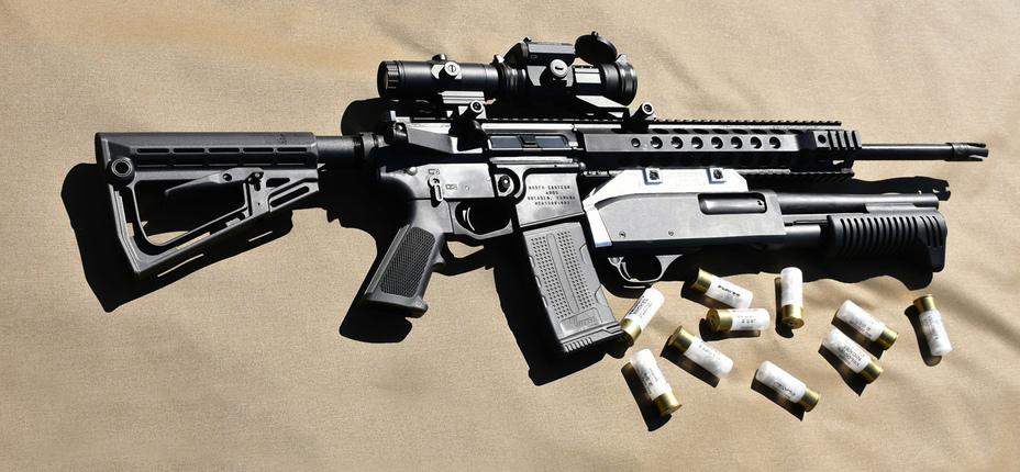 Карабин AR-15 с подствольным дробовиком UBS-12 lockharttactical.com - В Канаде создалиподствольный дробовик для винтовки | Военно-исторический портал Warspot.ru