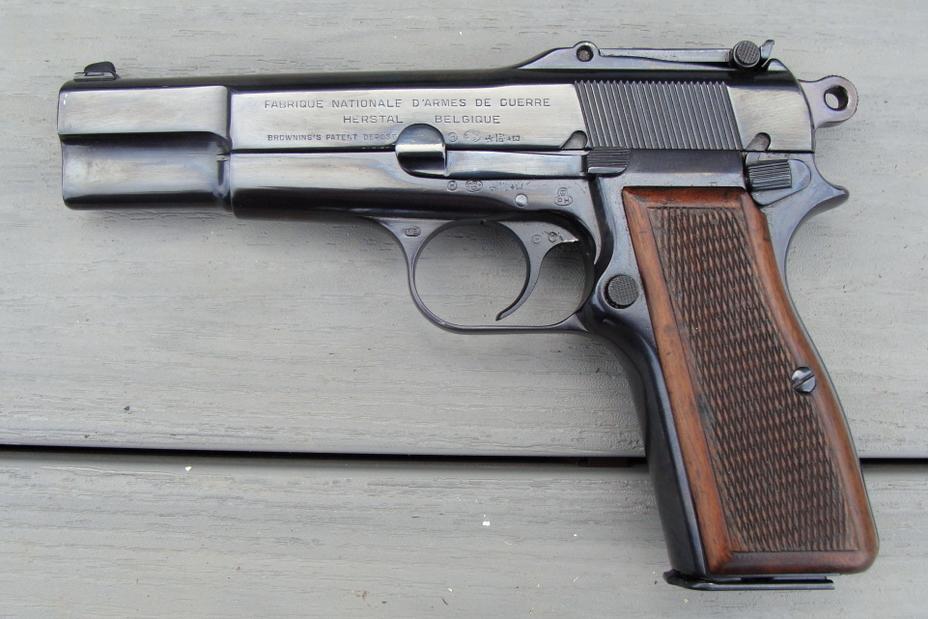Вариант «Браунинга» GP-35 с секторным прицелом - Последний пистолет гения | Военно-исторический портал Warspot.ru
