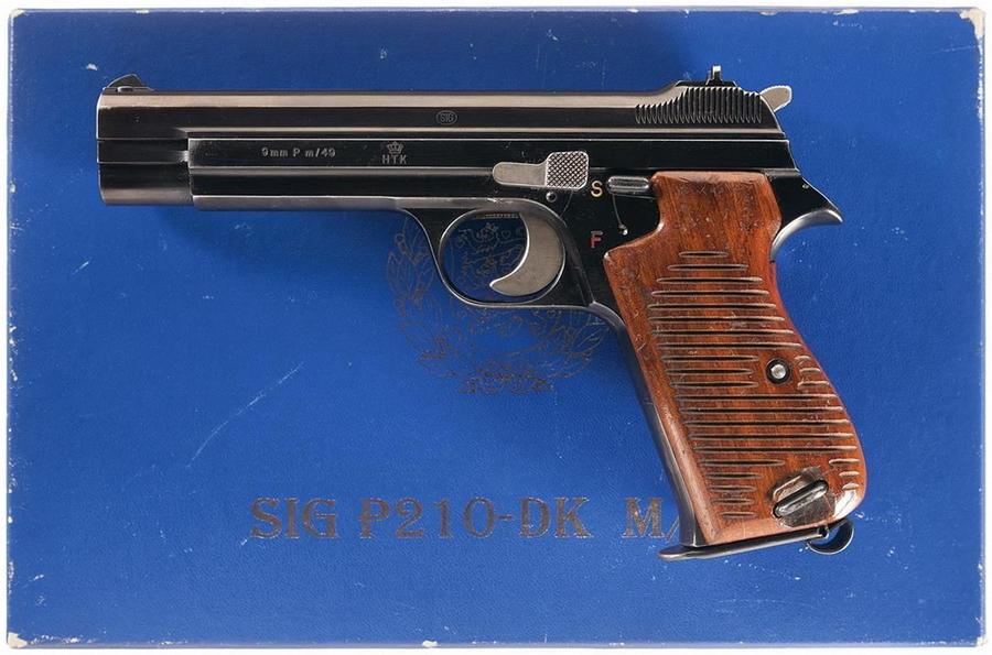 Pistol M/49 — пистолет датского заказа, с хорошо заметной эмблемой в виде короны на рамке - Швейцарская легенда | Военно-исторический портал Warspot.ru