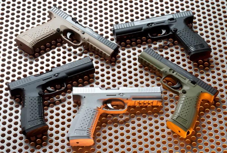 Очевидное, хотя и не имеющее реальной практической ценности преимущество пистолета с полимерной рамкой — широкая цветовая гамма исполнения (http://arsenalfirearms.ru) - «Стриж» не самого высокого полёта | Военно-исторический портал Warspot.ru