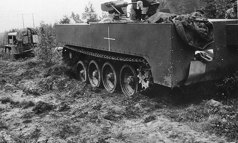 ?Испытания Strv S1, лето 1961 года. Из соображений секретности корпус обшит листовым металлом - Удивительный танк Strv 103 | Военно-исторический портал Warspot.ru