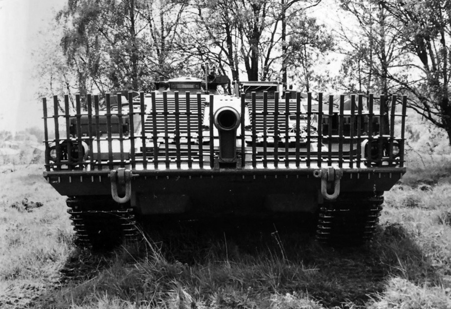 ?Испытания противокумулятивных экранов - Удивительный танк Strv 103 | Военно-исторический портал Warspot.ru