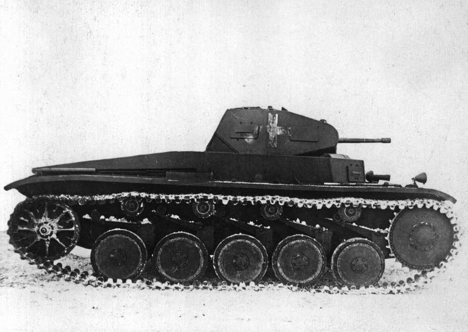?С точки зрения навесного оборудования танк оказался почти пустым - Ариец польского отжима | Военно-исторический портал Warspot.ru