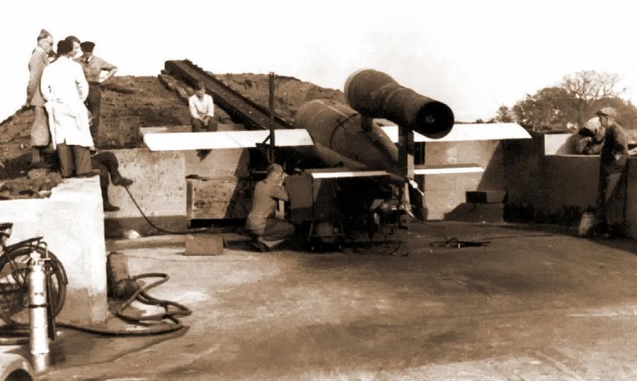 ?Подготовка к запуску опытного самолёта-снаряда — будущего V-1 - Цвета военного неба: ловцы крылатых бомб | Военно-исторический портал Warspot.ru