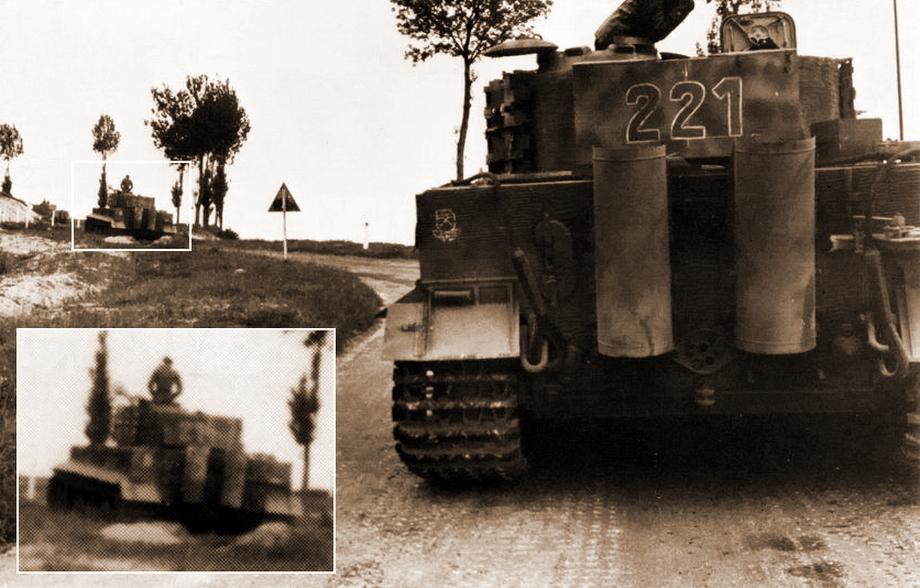 Кадр № 12. Этот и следующие кадры будут рассматриваться только для подтверждения того, что танки 2-й роты двигались согласно штатному расписанию. После того как Шек сделал кадр № 11, он вновь решил поменять место для фотосъёмки и спустился со склона на дорогу. Пока он спускался, по дороге мимо него успели проследовать несколько «Тигров», поэтому следующим в его объектив попал «Тигр» № 221. Впереди него в изгибе дороги — «Тигр» № 214 - «Двести двенадцатый» | Военно-исторический портал Warspot.ru