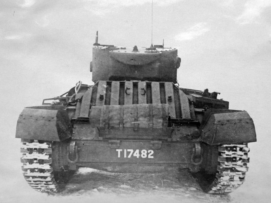 Укладки в корме предназначались для английских 2-галлонных (9,09 литра) канистр - Английская поддержка для советской пехоты | Военно-исторический портал Warspot.ru