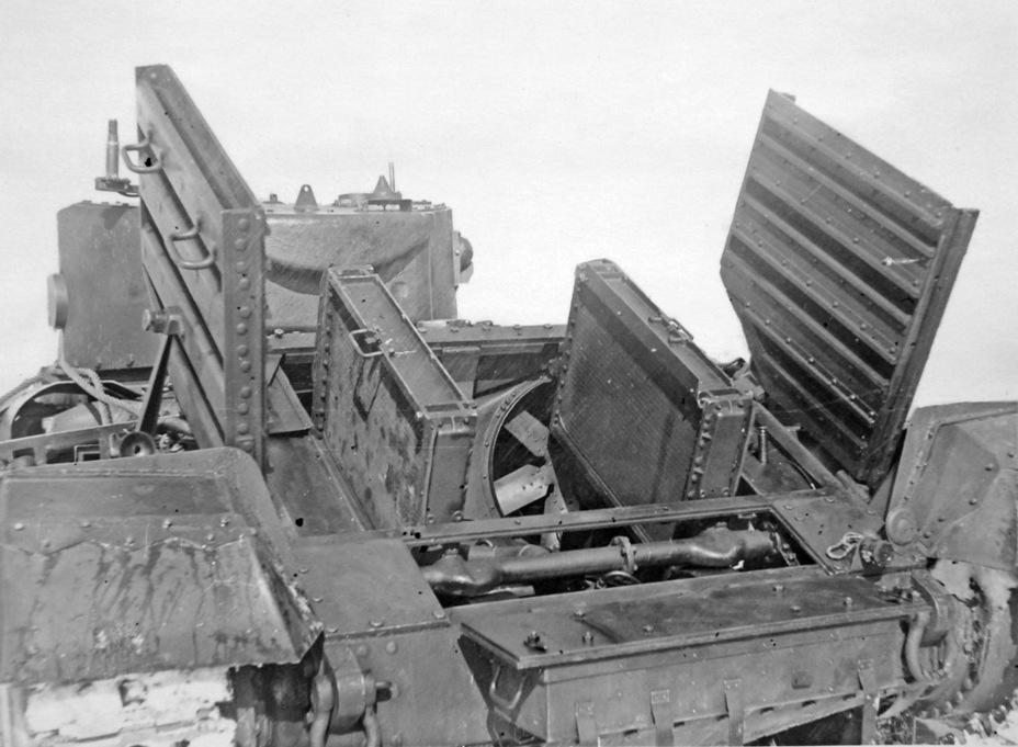Доступ к системе охлаждения оказался также удобным, но поднятие тяжелых створок требовало физических усилий пары человек - Английская поддержка для советской пехоты | Военно-исторический портал Warspot.ru