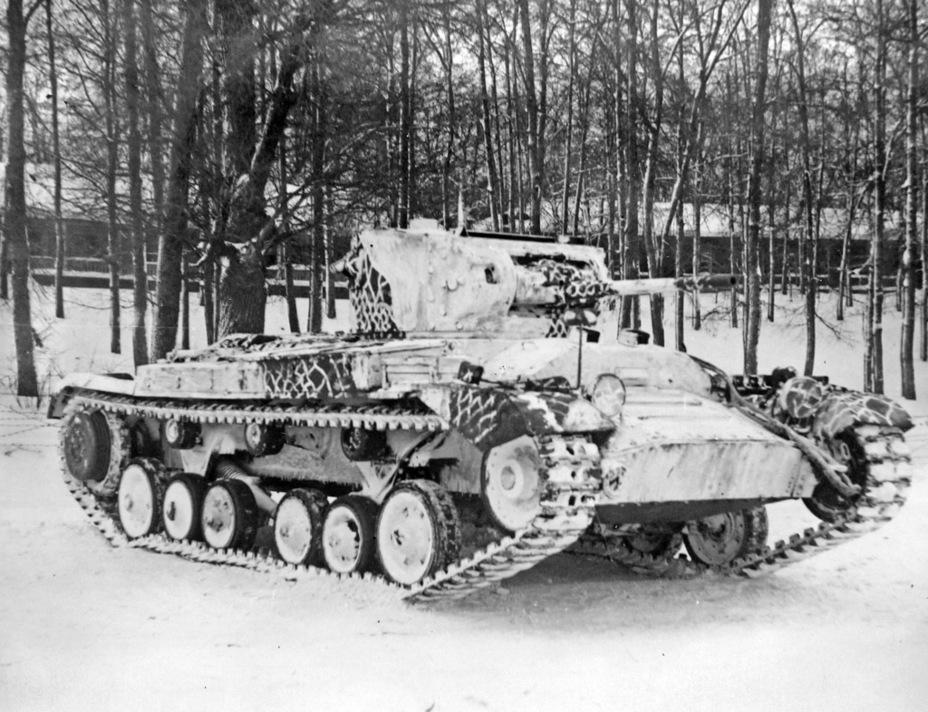 Частью испытаний стало нанесение на танк зимнего камуфляжа. В нем Valentine II стал как минимум эффектнее - Английская поддержка для советской пехоты | Военно-исторический портал Warspot.ru