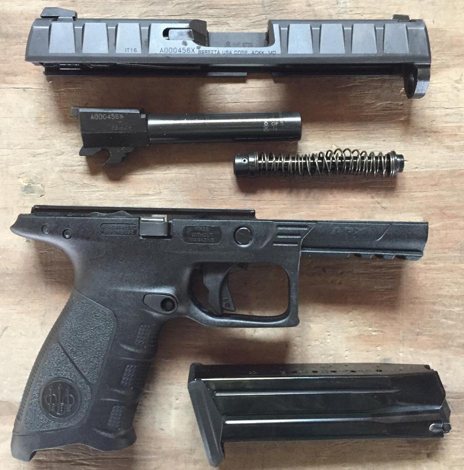 Пистолет Beretta APX при неполной разборке range365.com - «Полимерная» Beretta идет на гражданский рынок | Военно-исторический портал Warspot.ru