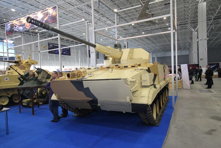 Второй вариант комплекса «Вихрь» с боевым модулем АУ-220М Фото: Денис Федутинов - Роботы для поля брани