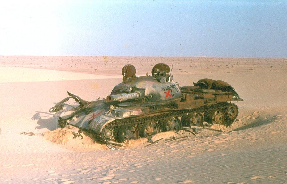 Подбитый египетский танк Т-62, Синай, октябрь 1973 idf-armor.blogspot.ru - Синайский танковый разгром | Военно-исторический портал Warspot.ru