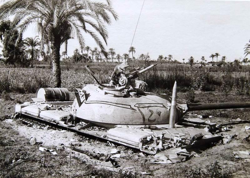Застрявший Египетский танк Т-55, Синай, октябрь 1973 idf-armor.blogspot.com.by - Синайский танковый разгром | Военно-исторический портал Warspot.ru
