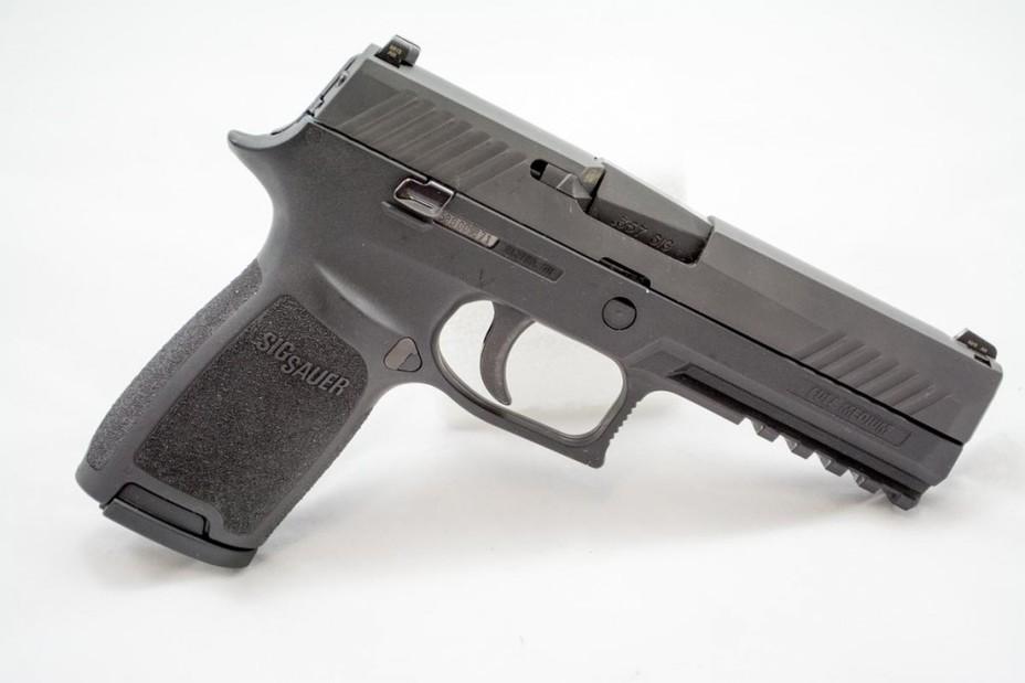 Пистолет SIG Sauer P320 armyrecognition.com - Американцы вооружатся новыми пистолетами | Военно-исторический портал Warspot.ru