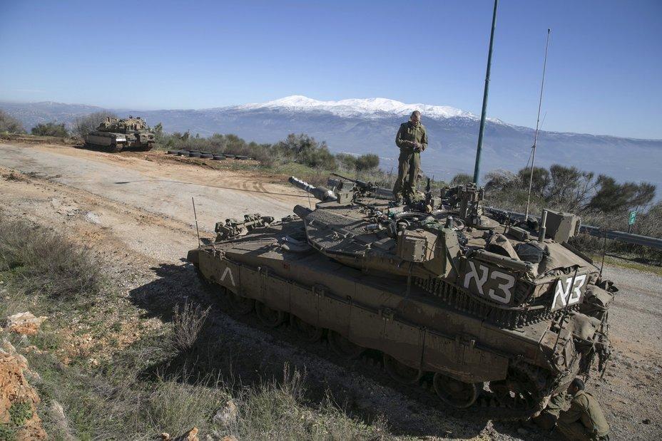 Системы Trophy являются штатными для израильских танков Merkava MK4M businessinsider.com - «Кулак» и «занавес» для американской бронетехники | Военно-исторический портал Warspot.ru