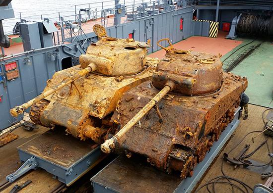 Поднятые танки «Шерман». tvzvezda.ru - «Шерманы» из морских глубин | Военно-исторический портал Warspot.ru