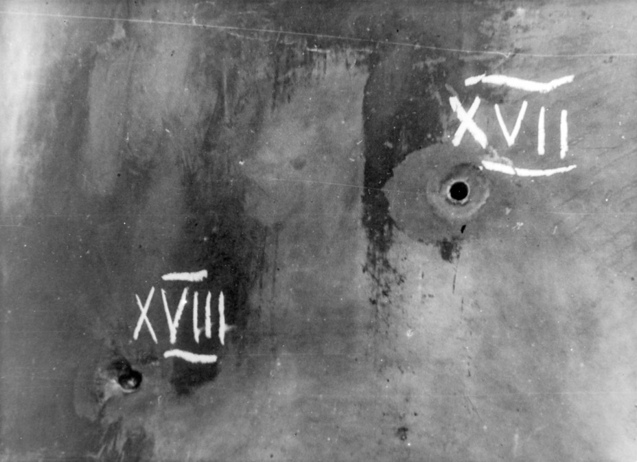 ?Результаты обстрелом из 45-мм пушки. Подкалиберным снарядом удалось пробить борт на дистанции 200 метров - Тяжёлый трофей   Военно-исторический портал Warspot.ru