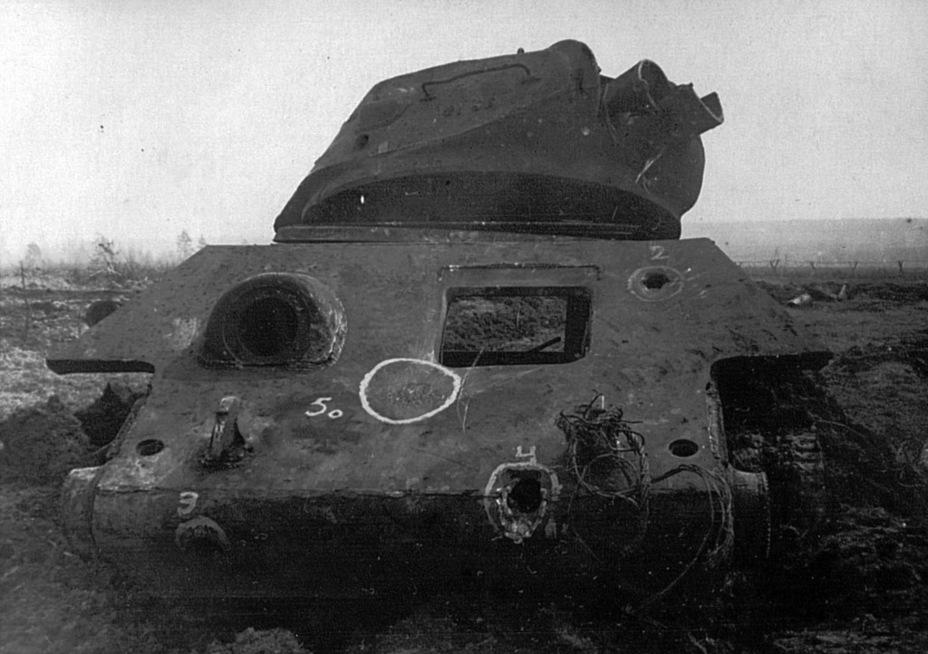?Т-34 после обстрела «тигриной» пушкой выглядел еще более душераздирающе - Тяжёлый трофей   Военно-исторический портал Warspot.ru