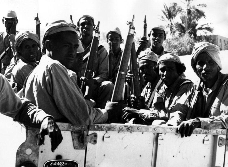 Группа бойцов НФО, 1960-е годы - Последняя колониальная война Британии: Радфан | Военно-исторический портал Warspot.ru