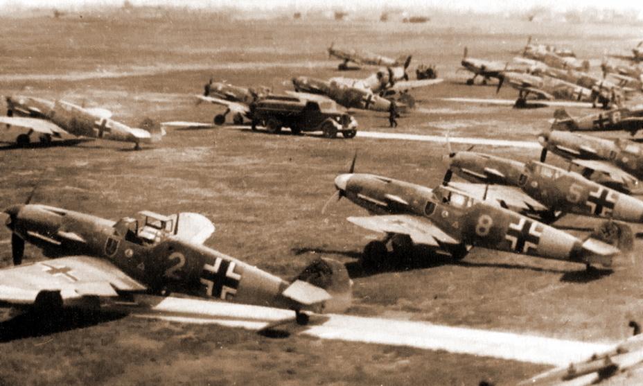 Истребитель Bf 109F-2 из эскадрильи 6./JG 52 на полевом аэродроме, лето 1941 года - Первая победа первого гвардейского полка | Военно-исторический портал Warspot.ru