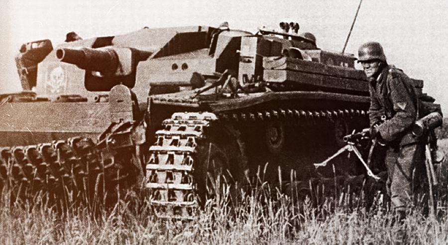 САУ StuG III (Sturmgeschütz) – «танки», с которыми приходилось сражаться комендорам 365-й зенитной батареи Источник — vladislav-lit.livejournal.com - 365-я зенитная батарея. Часть II | Военно-исторический портал Warspot.ru