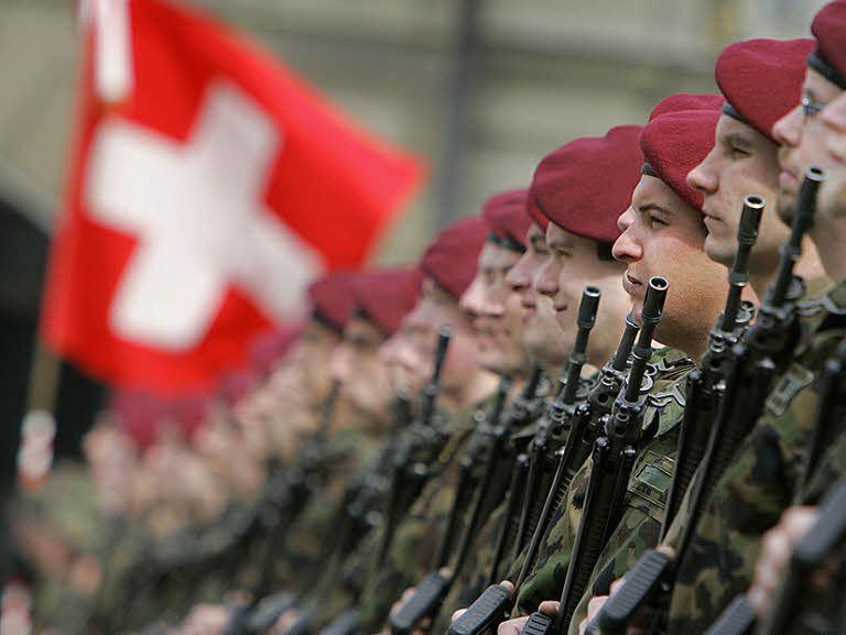 Быть солдатом в Швейцарии почётно (http://www.badische-zeitung.de) - Армия – это народ. Народ – это армия   Военно-исторический портал Warspot.ru