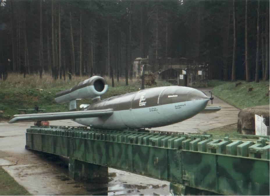 Ракета V1 на стартовой площадке в лесу Ив на юго-востоке от Дьеппа, Франция