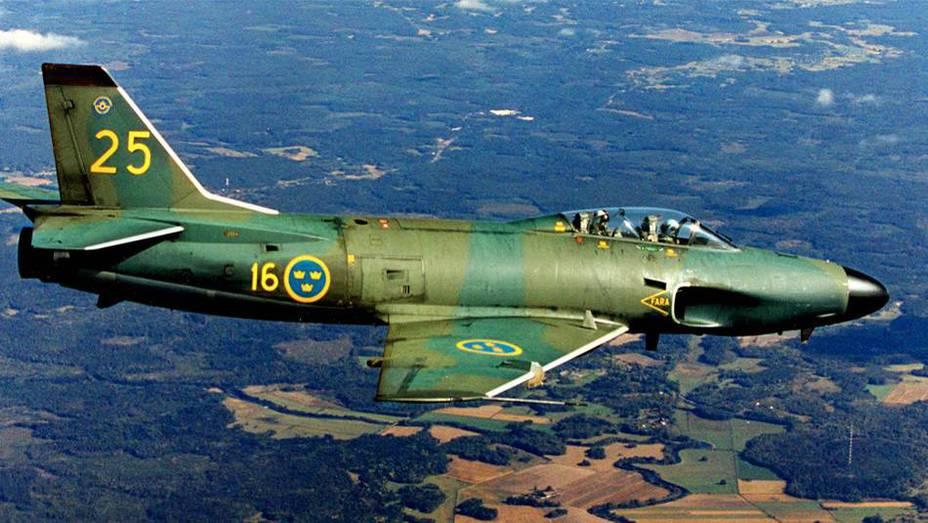 Saab 32 Lansen — один из возможных носителей шведского ядерного оружия